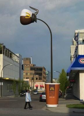 クリエイティブ マクドナルド 屋外広告