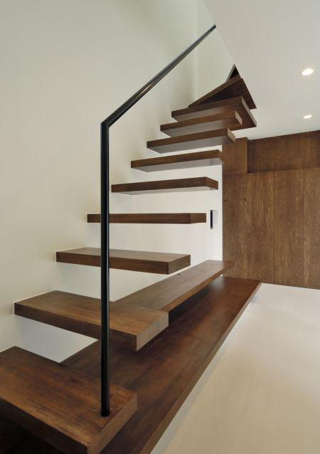 シースルー階段 スケルトン階段 ストリップ階段 リビング階段